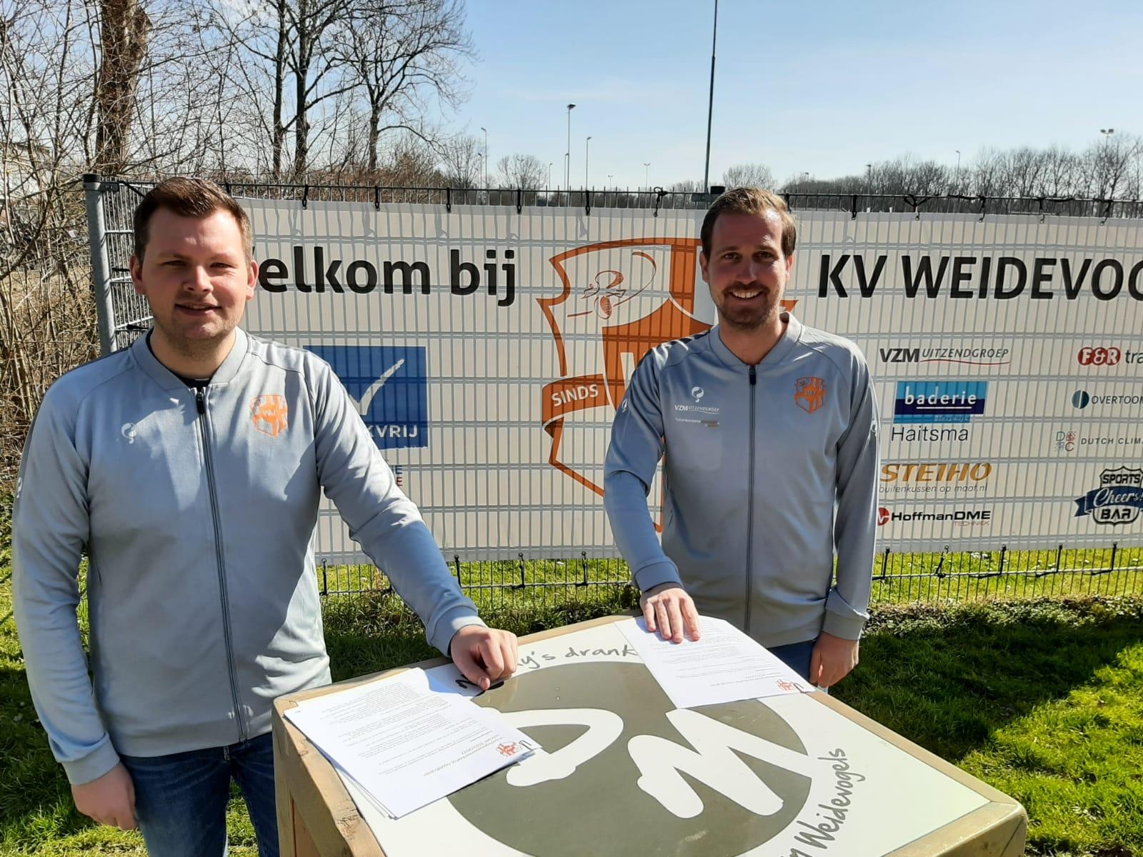 Trainers Peter de Waard en Tim Loendersloot verlengen contract: 'We zijn nog niet klaar'